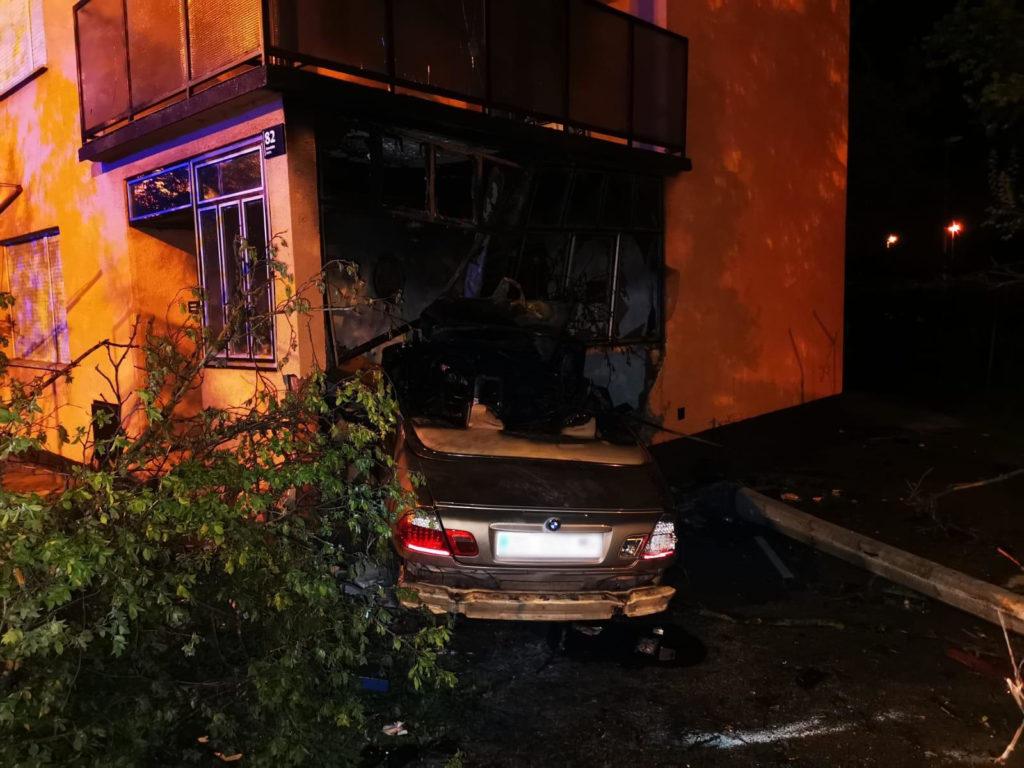 U Sesvetama autom se zabio u kuću